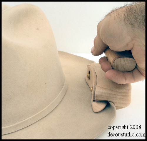 """e5e1ff67e0b79 Showing the use of 3 4"""" Hinge Shackle curling tool on my shop practice hat.  This hat has not been wetted"""
