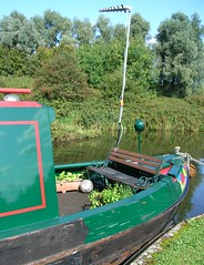 Floating mobile home AND garden! (bryanilona) Tags: canal herbs dudley soe narrowboat blackcountry netherton gardenbench windmillend anawesomeshot flickrelite theperfectphot