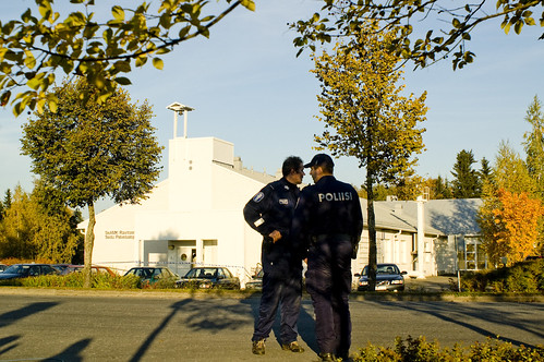 Dos policías, en el instituto del tiroteo