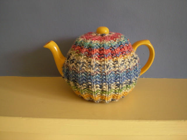 Mistake Rib Tea Cozy - free knit pattern