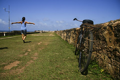(incr_foxy) Tags: blue sky grass bike freedom fort sri lanka ceylon galle 2008 bycicle