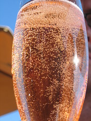 Mumm Brut rosé sparkling bubbles