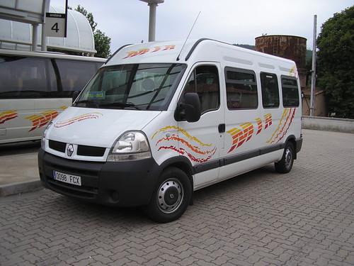 Autocar Renault de l'empresa TRANSPORTS MIR de Ripoll