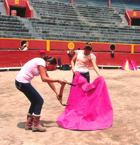 Novilleras Milagros Sánchez y Lulú de la Vega en Acho