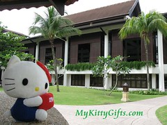 Hello Kitty at Entrance Block of Holiday Inn Glenmarie Hotel, Malaysia
