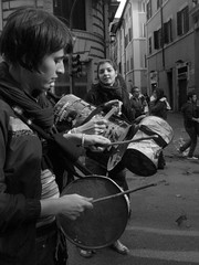 Foto Manifestazioni 194 (ostl9) Tags: portrait still filming ondaanomala ghostsapienzalaminervamovimentoanomala stillfilmingportrait