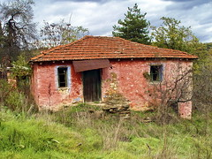 Abandoned House...... (Zopidis Lefteris 2008) Tags: pink house abandoned home village hellas greece oldhouse macedonia thessaloniki lefty abandonment salonica lefteris eleftherios    zop    zopidis zopidislefteris   leyteris        eleytherios    mayroraxi mauroraxi mavroraxi  mabroraxi