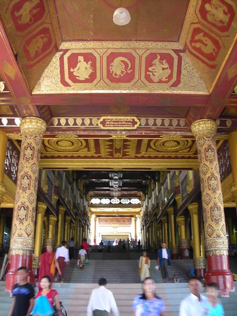 Yangon 24 - Shwedagon paya by Ben Beiske