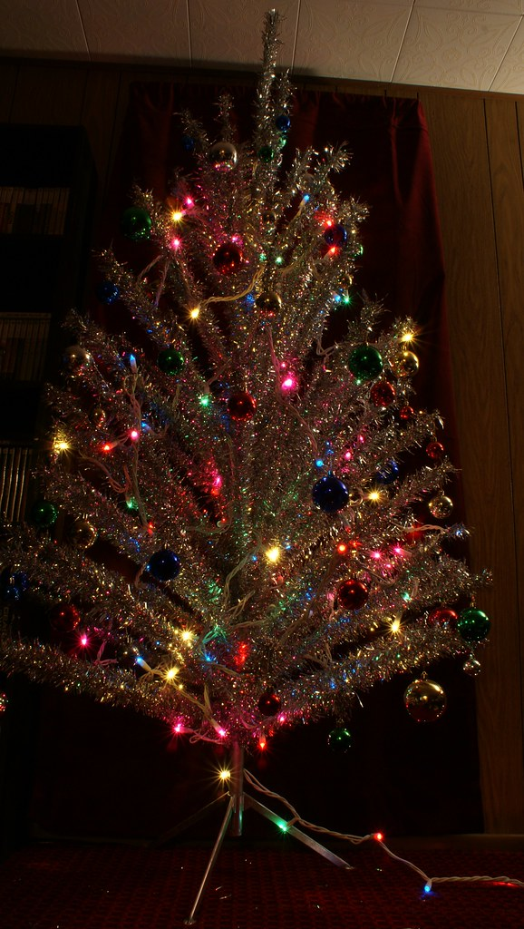 Aluminum Christmas Tree And Color Wheel