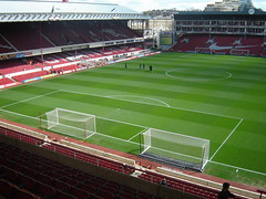 Beautiful Highbury pitch is ready for action (old man chillum....) Tags: beautiful stand east goals pitch highbury arsenal northbank clockend