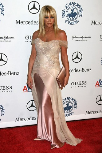 Suzanne Somers At Carousel Of Hope