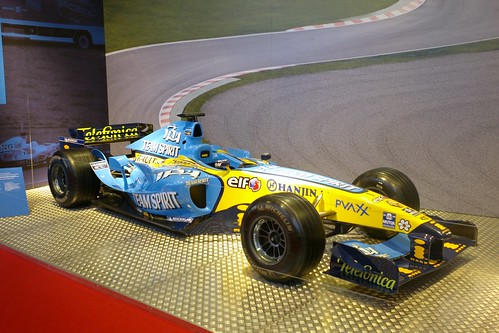 L1042281 - Chequered Flag: Renault F1 2006 (by delfi_r)