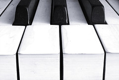 (Martn-O) Tags: blackandwhite bw music stilllife macro blancoynegro lines perspective piano jazz bn explore perspectiva arti cinematic bodegon teclas cruzadas megashot martno a3b bn052008 martinorozco wwwmartinorozcocomar