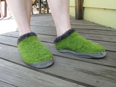 felted fiber trends clogs