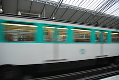 Mtro - 16 (Stephy's In Paris) Tags: paris france underground subway nikon metro mtro francia stephy mtroparisien mtropolitain d80 nikond80 mtrodeparis stephyinparis