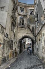 Vecchio passo (franz75) Tags: old portugal d50 nikon lisboa lisbon arc vicolo arco hdr alfama lisbona portogallo vecchio rovina ilustrarportugal