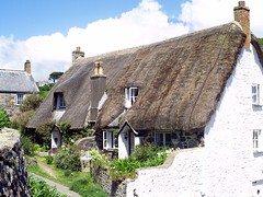 Cadgwith, Cornwall (saxonfenken) Tags: garden geotagged cornwall cottage explore thumbsup thatched e500 bigmomma cadgwith 6828 babymomma mywinners june2008 friendlychallenges 6828house
