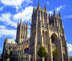 Washington National Cathedral, Washington monument