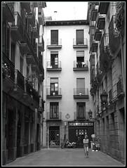 Bilbao street (+MMarta) Tags: street blanco libertad blackwhite y negro bilbao ricoh calles r8