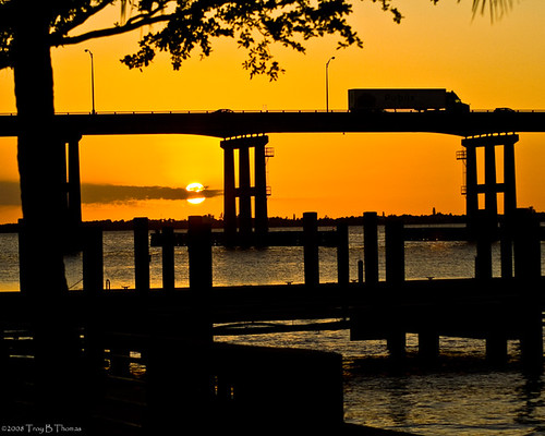 fmdp2008_002_BridgeSunset