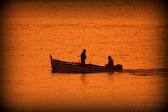 Fishermen at sunset (-Bandw-) Tags: city sunset wallpaper sky italy panorama costa clouds digital canon landscape eos rebel coast boat fisherman barca italia tramonto nuvole loveit cielo sicily wallpapers bandw provincia turismo catania sicilia citt xsi crepuscolo trinacria pgw sicile sizilien sicili atardacer siclia  barcheboats 450d tamronaf70300mmf456dildmacro canoneos450d platinumheartawards flickrsicilia digitalrebelxsi regionalgeographicsicilia rgsmare bandwit wwwbandwit canoneos450ditalia crepuscolosunsetssunrisesnights loveitneverflood novavitanewlife oneofmypics  tamron70300456dlmacro