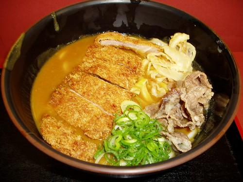 你拍攝的 梅田食堂街的咖哩雙豬烏龍。