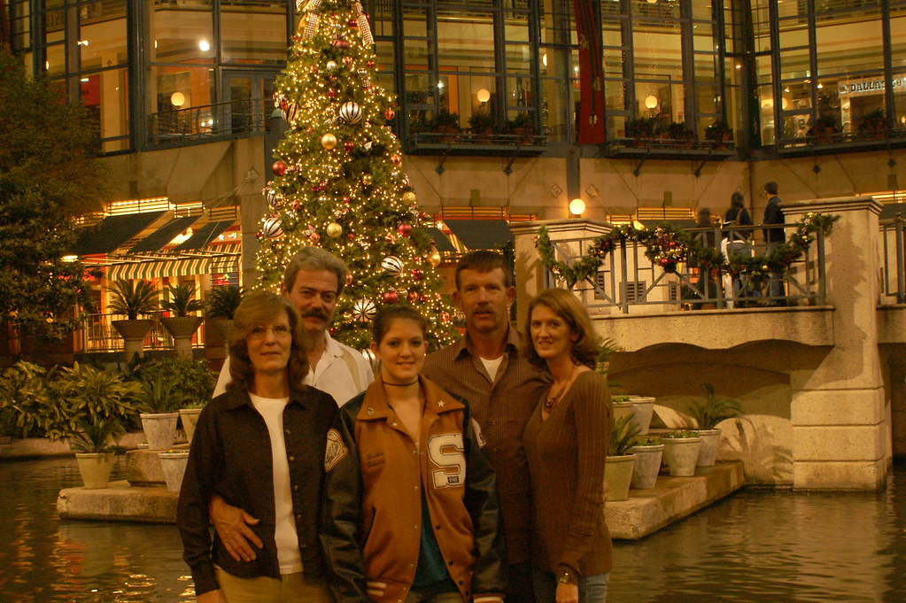 family_Riverwalk