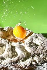 Sono le tagliatelle della... Vannettina! (Fremebondo) Tags: orange white verde green contrast colours egg drop falling colori fluor arancio uovo farina contrasto caduta strobist