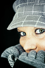 winter edition (frischmilch) Tags: winter portrait woman cold face female germany studio eyes portait cologne gloves cap jana nordrheinwestfalen homestudio