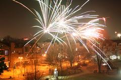 Frohes Neues Jahr 2009 (Jrgenshaus) Tags: feuerwerk pfogold silvester2008 neujahr2009