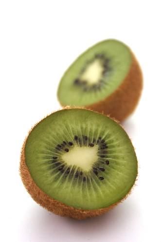 Kiwi (Photoshop, levels)