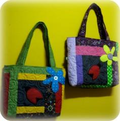 Minha Alegria e Fora vem de Deus... (Joana Joaninha) Tags: bag quilt patchwork bolsa ziper pa joanajoaninha