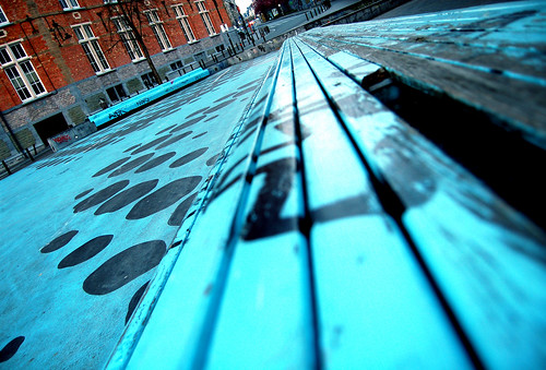 blue bench(marking)