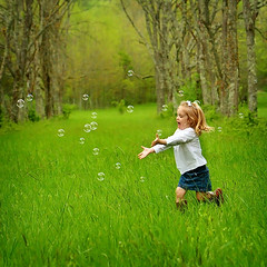 The Pursuit of Happiness (www.jonSpotphotography.com) Tags: playing girl field childhood children fun toddler child tn knoxville earth tennessee joy bubbles laughter earthday knoxvilletn happyearthday thepursuitofhappiness jonspot childhoodphotoshoot wwwjonspotphotography