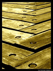 Tabla del dos (DrGEN) Tags: santa wood two santafe argentina sepia madera perspective nuts dos rosario perspectiva fe minimalist tablas ceres minimalista tornillos wpblog multipli aplusphoto multiplicación
