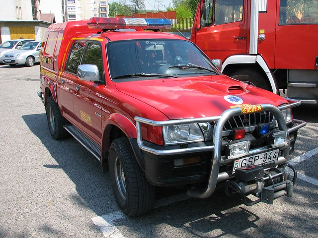 world rescue dog canon geotagged fire team hungary day 4wd special international aid baptist vehicle s2is firefighter l200 mitsubishi magyarorszag magyarország 25d canons2is tatabánya tűzoltó rescue24