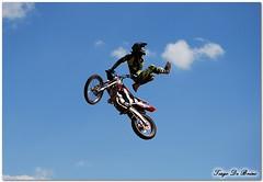 Manobras no céu (Tiago De Brino) Tags: nikon freestyle cross moto manobra d40x tiagodebrino