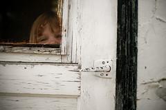 peek- (Chris Beauchamp) Tags: family canon hideandseek alberta nieces lamont sigma30mm xti copyrightchrisbeauchamp20072009