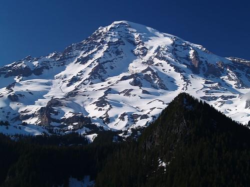 終年積雪的山頂
