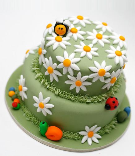 Meadowland Cake (fondant cake)