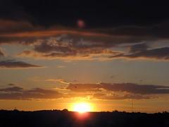 Puesta de sol III / Sunset III (ajgelado) Tags: sunset sky espaa sun sol clouds canon spain powershot cielo nubes puestadesol zamora a710 flickrsbest gettyimagesiberiaq3