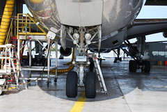 Boeing 777-200 nose gear, doors, lights (wbaiv) Tags: americanairlines aa 777 dfw walkaround boeing 777200 airplane plane aircraft flying machine profile landing gear wheel wells tire alighting