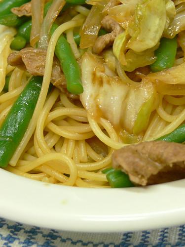 インゲンとキャベツと豚肉のスパゲティ