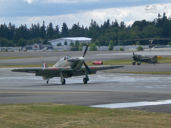 Hawker Hurricane and Polikarpov I-16 Type 24 Rata