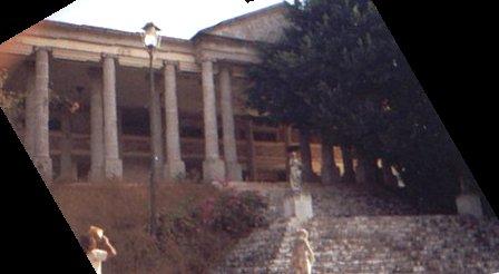 El Partenon de Durazo