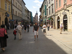 Krakow (DanishNorwegian) Tags: street people lund walking poland krakow polen jrn mennesker jrnlund