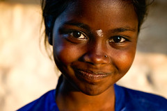 smile (phitar) Tags: unicef sunset india topf25 smile eyes karnataka hampi