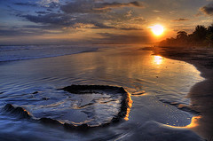 Remains of the day (Len Langevin) Tags: sunset reflection beach spectacular nikon costarica tropical sandcastle hdr centralamerica d300 18200vr theunforgettablepictures theunforgettablepicture damniwishidtakenthat vosplusbellesphotos naturescreations beautifullandscapephotography