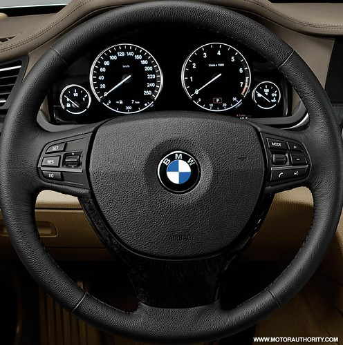 2010_bmw_7_series_017-0922-950x673 by drei3r.