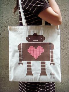 New tote bag by Alex Noriega & Sirena con Jersey
